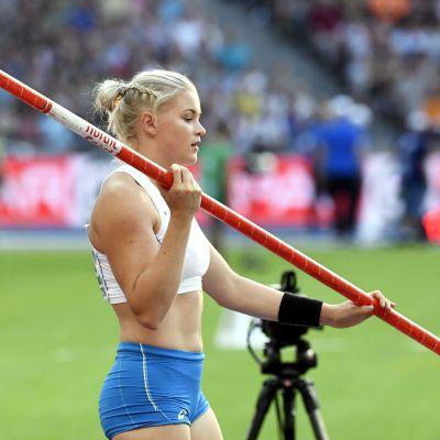 Wilma Murto med staven i högsta hugg på EM 2018.