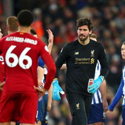 Liverpool kukisti Brigtonin Van Dijkin osumilla