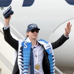 Jussi Olkinuora stiger av guldflyget.