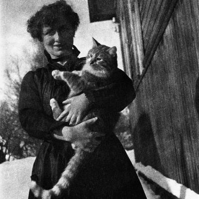 Edith Södergran med katten Totti