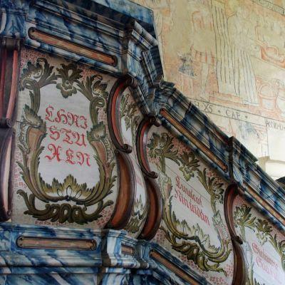 Isonkyrön vanhan kirkon saarnatuoli