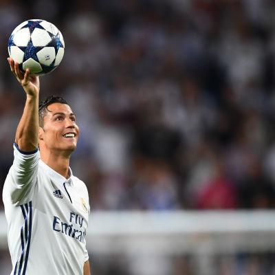 Cristiano Ronaldo gjorde mål nr 100 mot Bayern i Champions League.