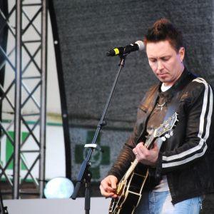 Gitarrsolon av Mikko Sipola