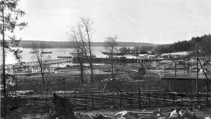 Bölsängen, då cementfabriken började byggas 1913.