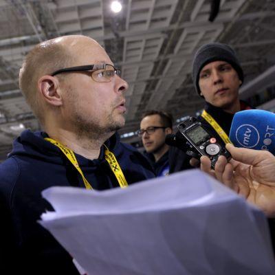 Harri Hakkarainen, ishockeylandslagets läkare