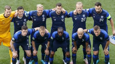 Suomen maajoukkue kuvattuna ennen Tanska-ottelua 12. kesäkuuta 2021.