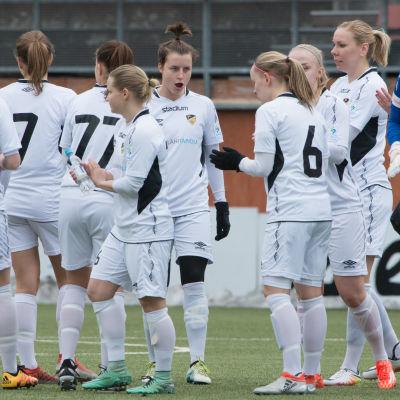 FC Honkas damer firar, 2017.