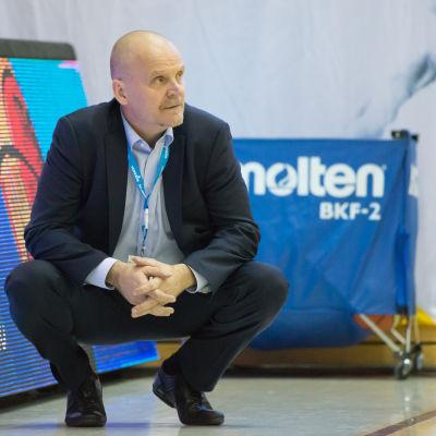 Pekka Salminen är en finsk baskettränare.