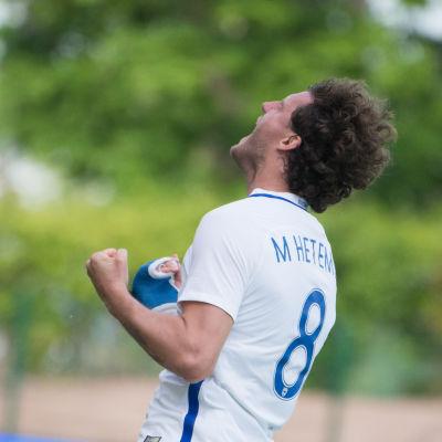 Mehmet Hetemaj firar mål, Finland-Liechtenstein 2017.