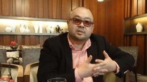 Pohjois-Korean hallitsijan velipuloli Kim Jong-nam murhattiin Kuala Lumpurissa. BBC dokumentti selvittää tapauksen taustoja.