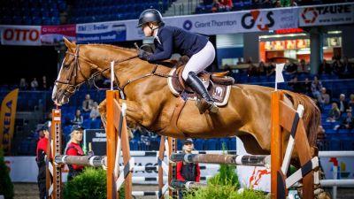 Janina Kvarnström tävlar i Internationational horse show i Tallinn med hästen Hyper Panda.