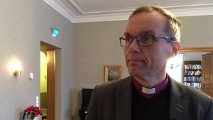 biskop björn vikström, Närbild