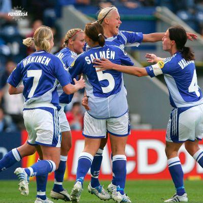 Minna Mustonen teki Suomen ainoan maalin Saksaa vastaan EM-välierässä 2005.