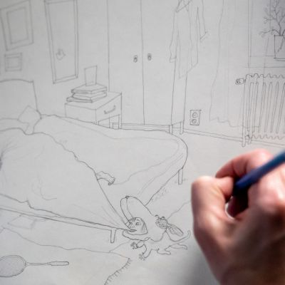 Jenny Lucander piirtää