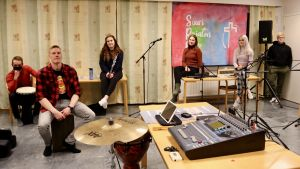 Elimäen seurakunnan nuorten bändiläisiä