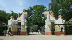 Ingången till Hagenbeck zoo utanför Hamburg.