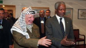 Yassir Arafat och Kofi Annan.