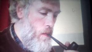 Frode J. Strømnes. Kuvakaappaus ohjelmasta KIELI MIELIKUVAN ILMAISUVÄLINEENÄ (1977).