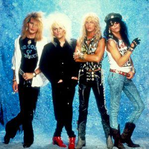 Bandet Poison på 80-talet poserar.