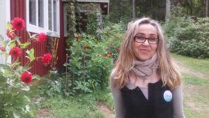 Lojobon och konstnären Maria Léman uppskattar Porlas natur.