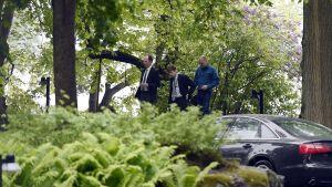 Bild från förhandlingarna i Villa Bjälbo den 12 juni 2017.