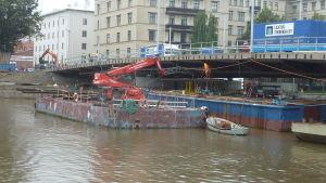 Nya Kvarnbron byggs.
