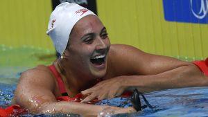 Kylie Masse blev Kanadas första kvinnliga världsmästare på lång bana när hon vann finalen på 100 meter rygg i Budapest.