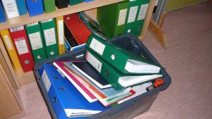 Flyttlådor packas