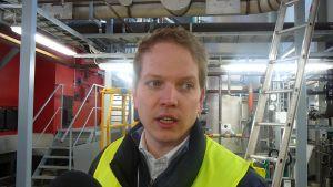 Produktionschef Frank Hoverfelt i pannhallen.