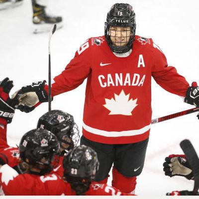 Kanada juhlii maalia MM-välierässä.