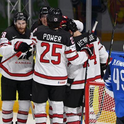 Kanada firar mål.
