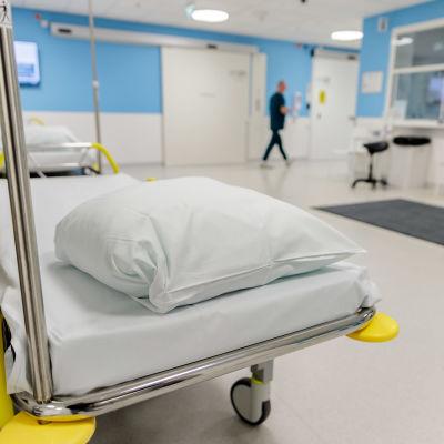 Sairaala novan päivystyksen käytävä.