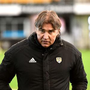Alexei Eremenko senior på SJK:s träning.