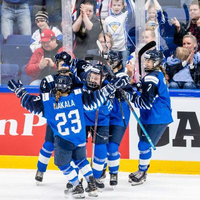 Finlands succékedja firar mot Ryssland.