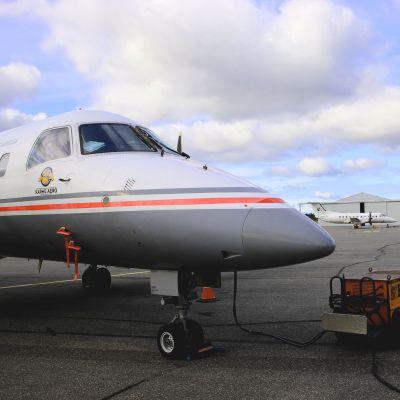 Lentokoneita Porin lentokentällä.