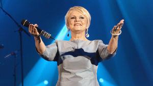 Katri Helena 50-vuotisjuhlakonsertissaan Tampere-talossa 2013