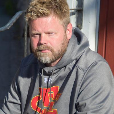 Porträttbild på Ville Schoultz.