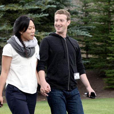 Facebooks grundare och VD Mark Zuckerberg med fru Priscilla Chan.