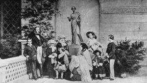 Kuningatar Viktoria perheineen