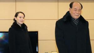 Kim Yo Jong anlände till Sydkorea tillsammans med talman Kim Yong Nam, Nordkoreas officiella statsöverhuvud