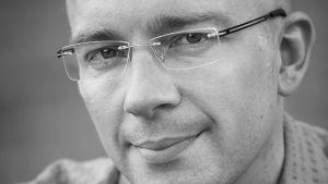 Kirjailija Karo Hämäläinen