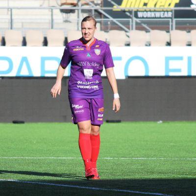 Åland Uniteds Jenny Danielsson i bortamatchen mot HJK våren 2018.