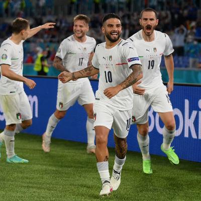 Italia juhli avausvoittoa Turkista Roomassa EM-kisoissa 11. kesäkuuta