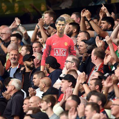 Cristiano Ronaldon kuva katsomossa