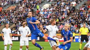 Island anfaller i Tammerfors.