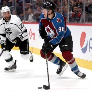 Mikko Rantanen spelar ishockey för Colorado i NHL.