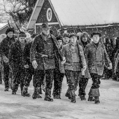 Tammisunnuntai 1918 -dokumenttielokuva tuo päivänvaloon itsenäisyyden alkuaikojen tapahtumat, joista on vaiettu pitkään.