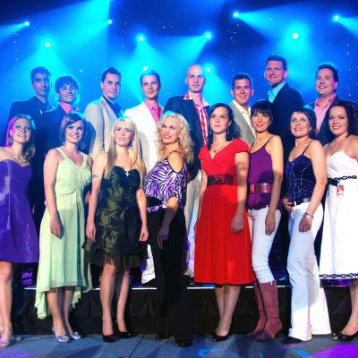 Vuoden 2009 Seinäjoen Tangomarkkinoiden tangokilpailun osallistujien ryhmäkuva.