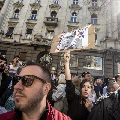 Demonstrationer utanför presidentslottet i Belgrad, Serbien.