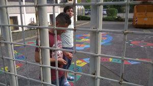 Flyktingar på mottagningscentral i tyska Bayern